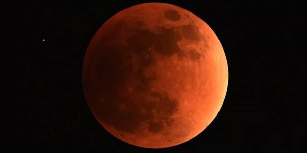 A qué hora y en qué lugar de Chile se podrá ver este viernes el eclipse lunar más largo del siglo XXI