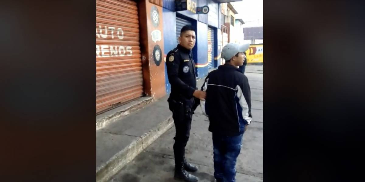 "VIDEO. Denuncian a agente ""pidiendo dinero"" y su agresiva reacción"