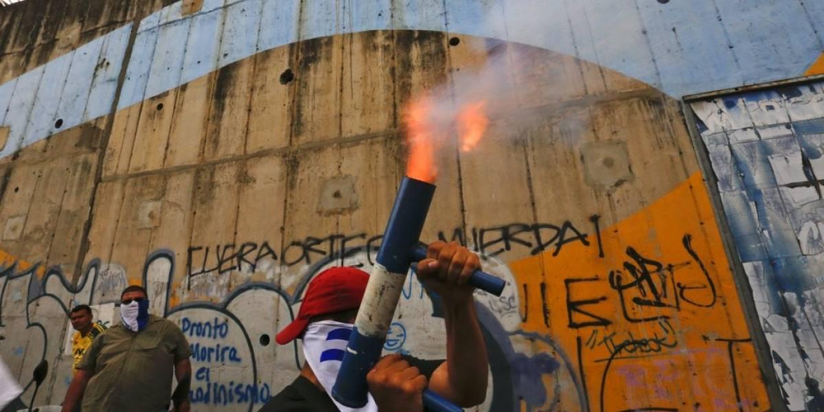 A cien días de terror: obispos atacados e iglesias sitiadas por la violencia en Nicaragua