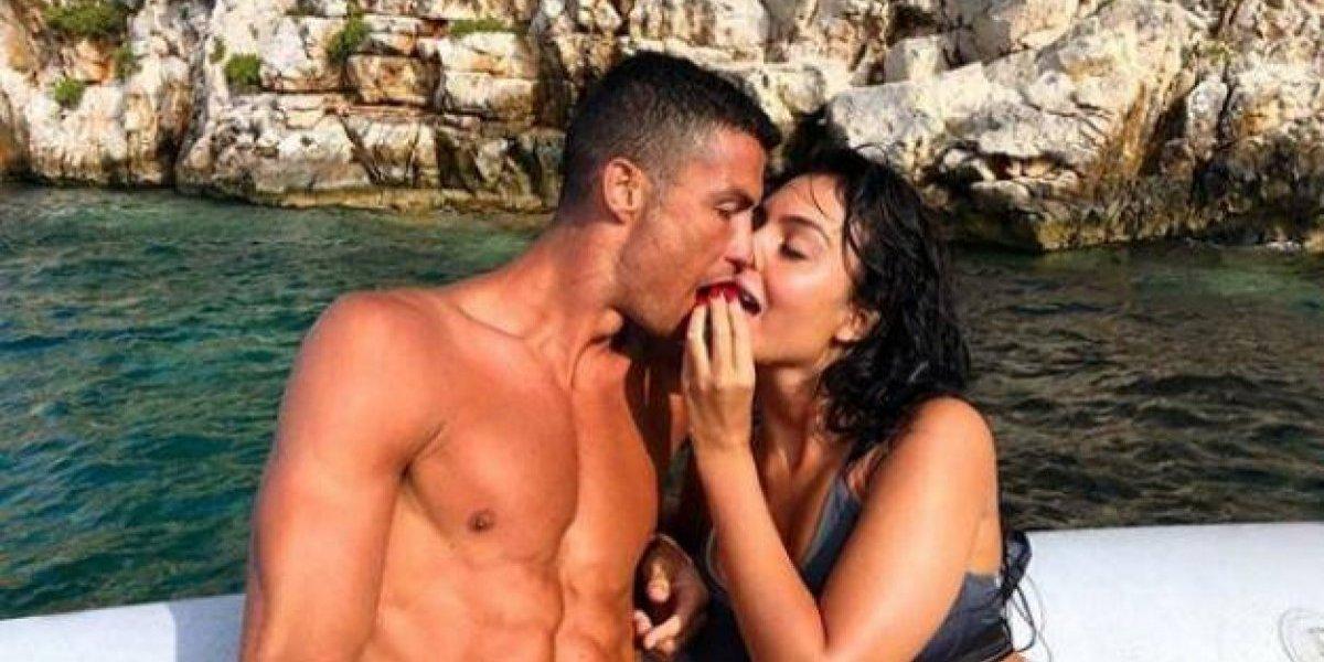 Las románticas vacaciones de Cristiano Ronaldo y su novia en Grecia