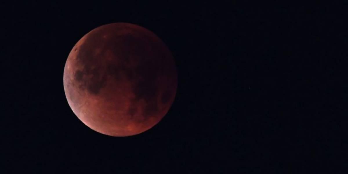 EN VIVO. El eclipse total de luna se acerca a su mejor momento