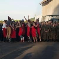 Equipe do cozinheiro ganhou a prova de servir linguiça aos militares