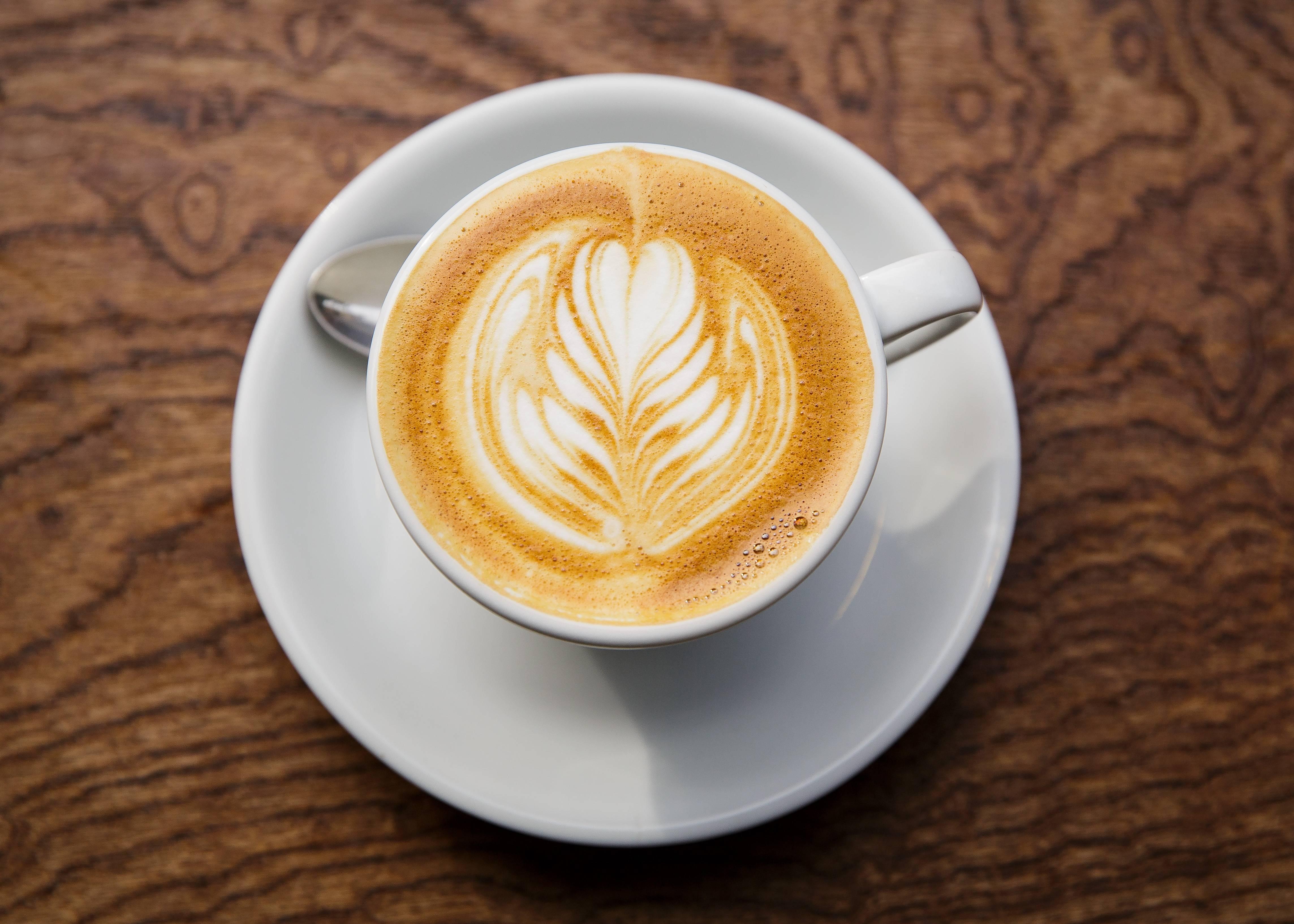 Lo sentimos, beber café no ayuda a bajar de peso