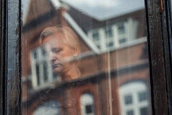 Julian Assange en la embajada de Ecuador en Londres Getty Images