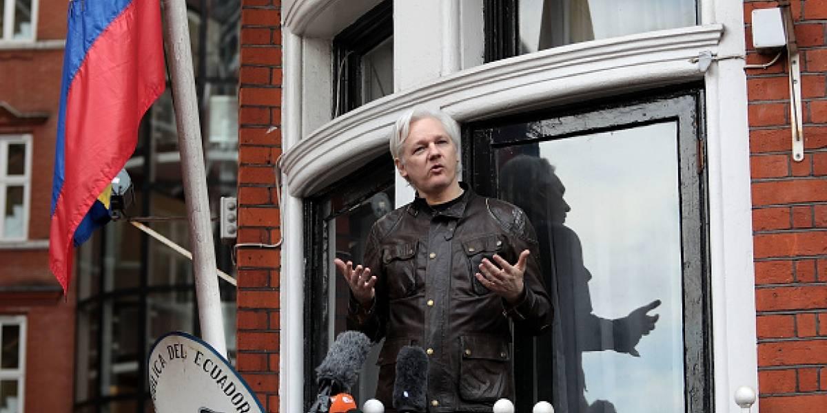 Defensa de Assange anuncia acciones legales contra el canciller, José Valencia