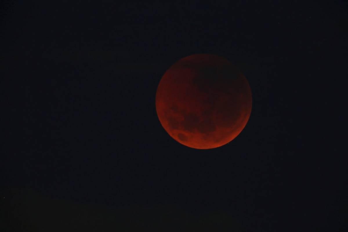 Luna de sangre en Australia Foto: AP