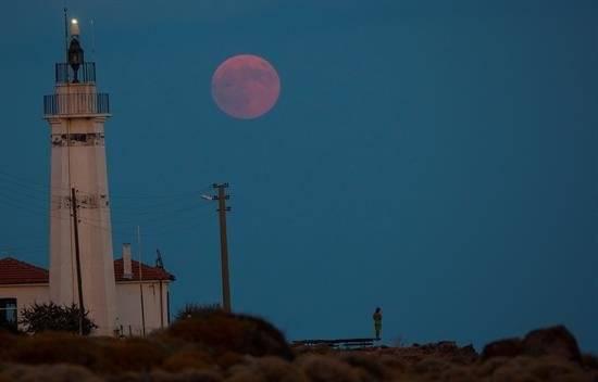 Luna de sangre en Turquía Foto: EFE