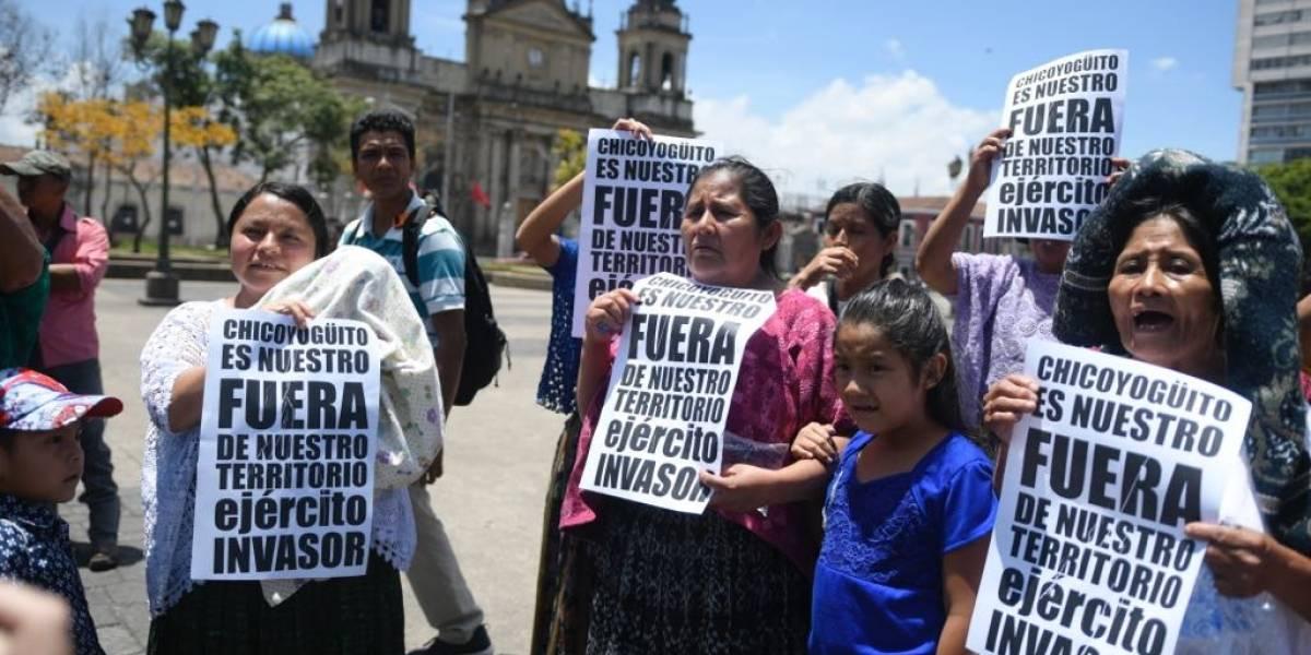 Familias desplazadas de Alta Verapaz exigen regresar a sus tierras