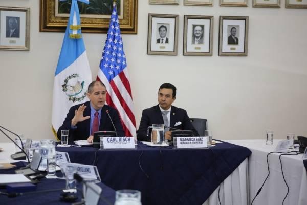 reunión de vicecanciller Pablo García con subsecretario de EE. UU. Carl Risch