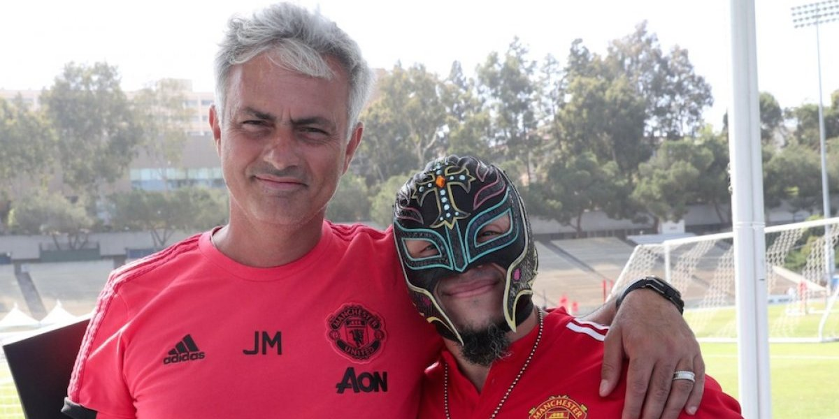 Rey Mysterio visitó el campamento del Manchester United en Los Ángeles