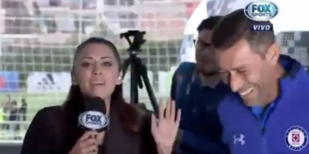 VIDEO: Técnico de Cruz Azul le hizo una broma a reportera de Fox Sports