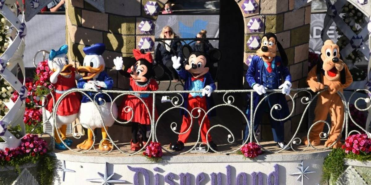 Disneyland sube 40% salario a empleados en California