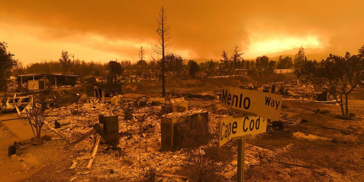Incendio descontrolado arrasa 500 inmuebles en California