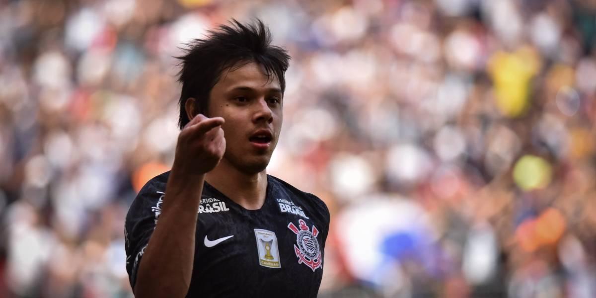 Romero salva de novo e Corinthians goleia Vasco de virada em Brasília