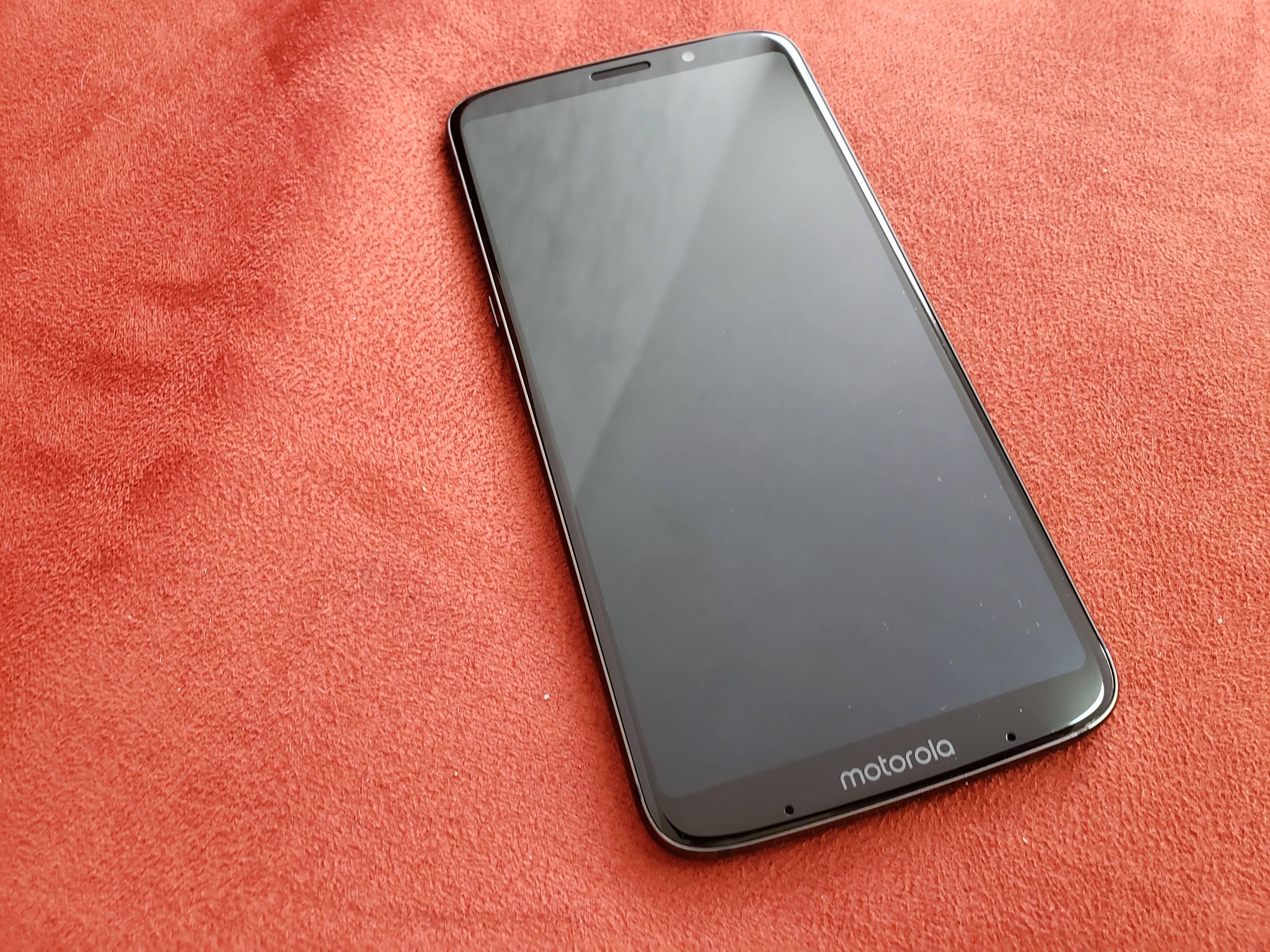 Reseña Moto Z3 Play: Motorola tiene un fuerte contendiente para la gama media-alta [FW Labs]