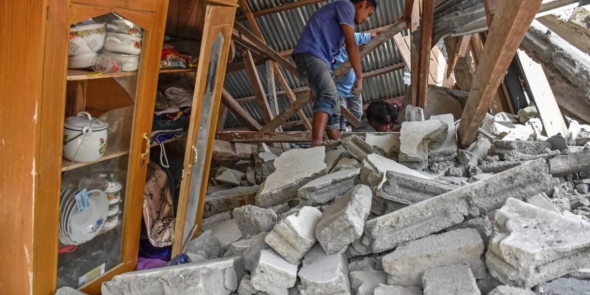 Terremoto deixa mais de 10 mortos na Indonésia