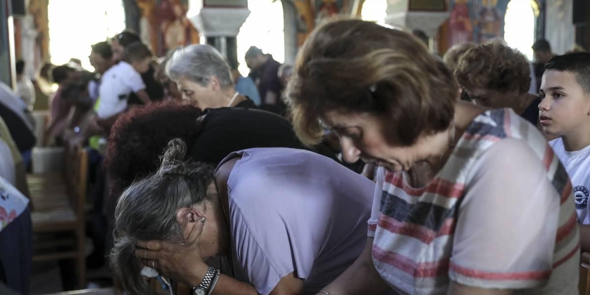 Muertes por incendio en Grecia ascienden a 91