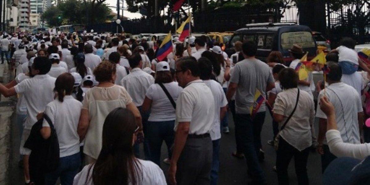 Guayaquil: Se realizó marcha en defensa de la familia