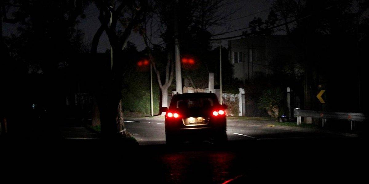 Repentino corte de luz afecta a comunas de Santiago Oriente: hay 247 mil afectados