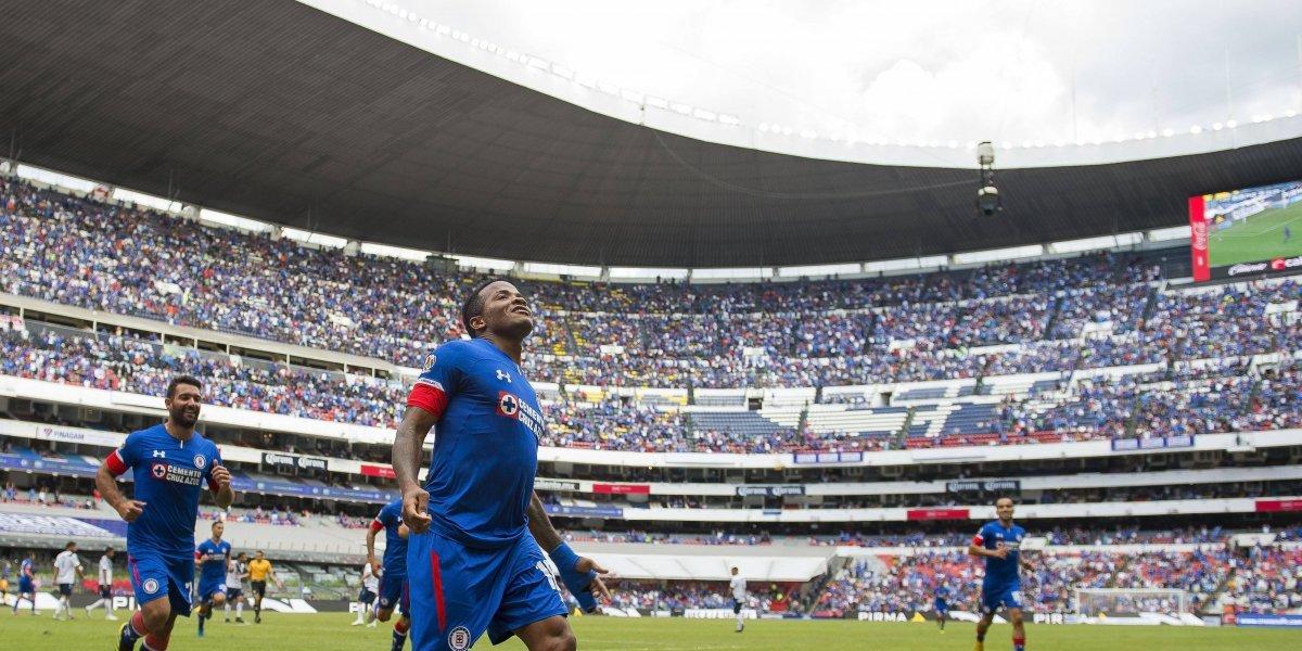 Cruz Azul metió el doble de aficionados al Azteca que el América