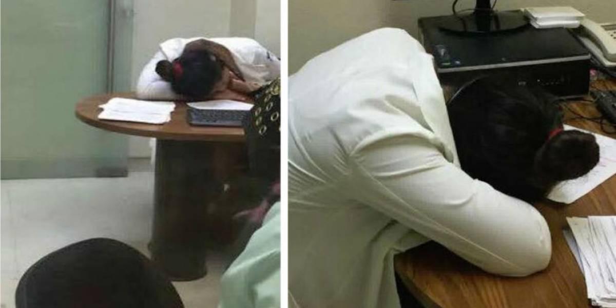 Doctora del IMSS duerme mientras pacientes esperan más de 2 horas