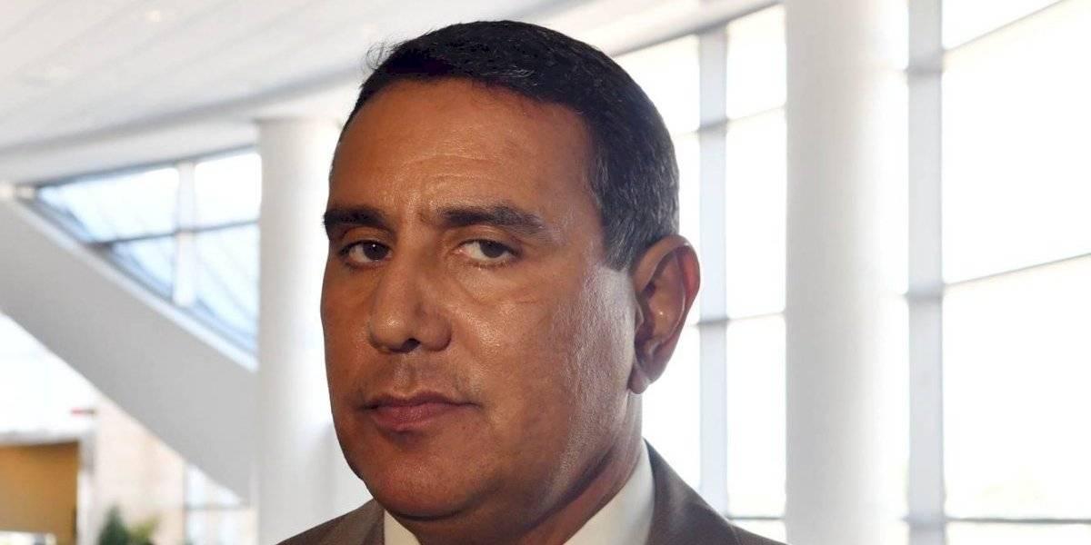 Alcalde de San Lorenzo defiende labor secretario Educación por apertura comedores