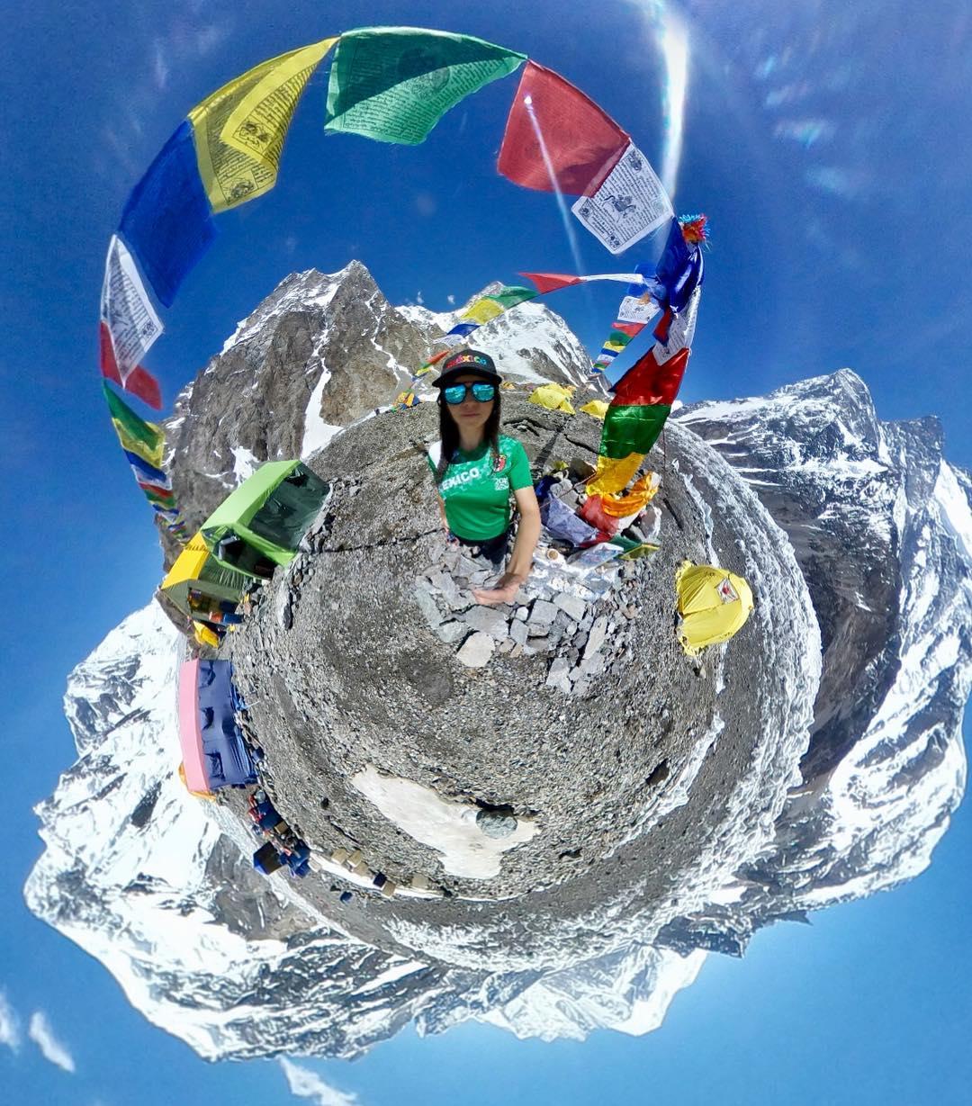 en el campamento base de la montaña K2