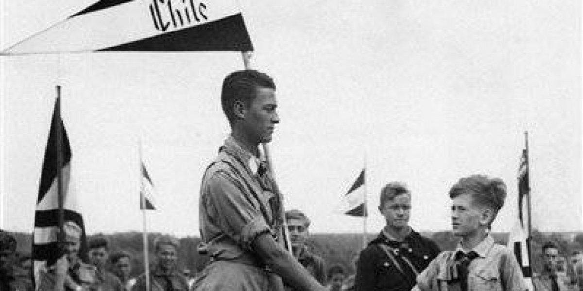 Maldición: una de las primeras fotos de nuestro archivo muestra a un niño chileno en la mayor fiesta nazi