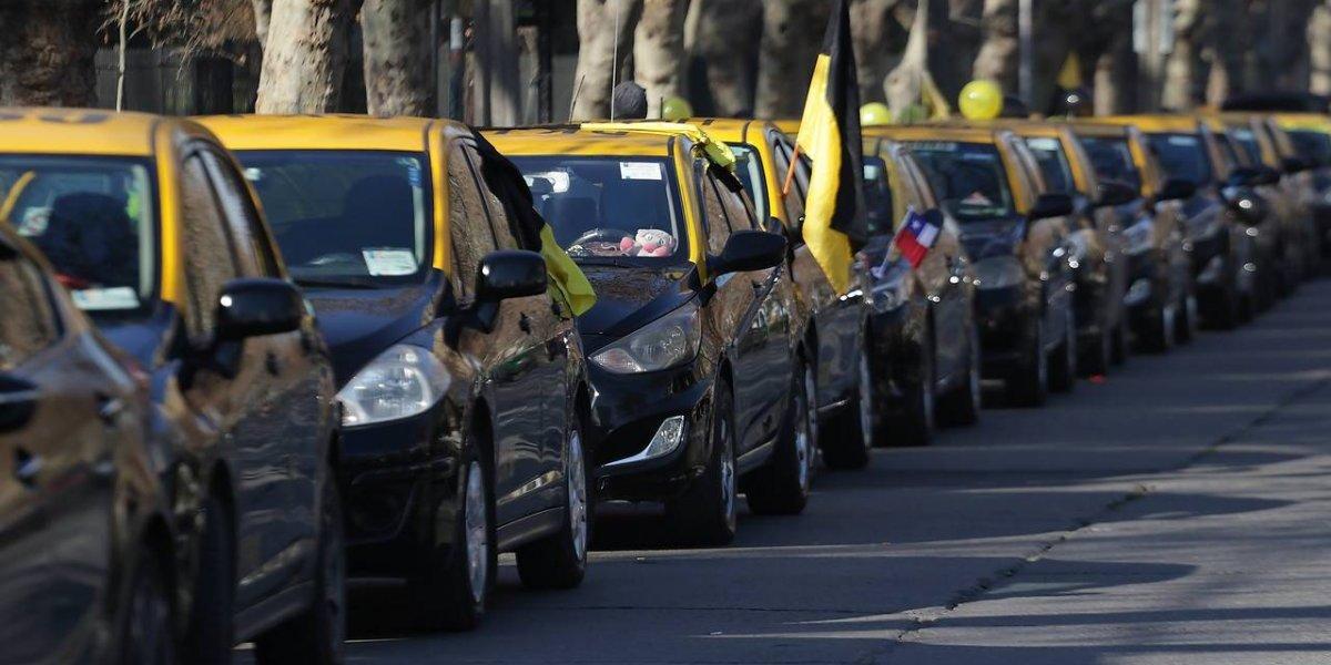La batalla no solo saca chispas en Chile: ¿cómo funciona Uber y Cabify en los otros países que tienen conflicto con los taxistas?