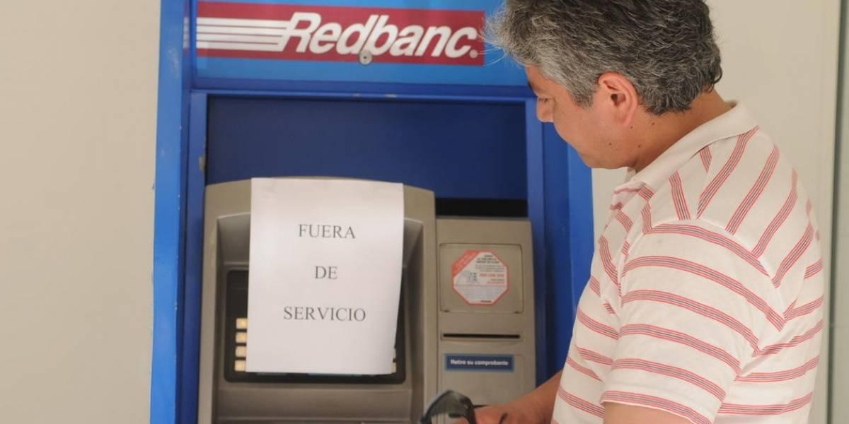 SBIF mandó instrucción a los bancos para la modernización de tarjetas de crédito y cajeros automáticos