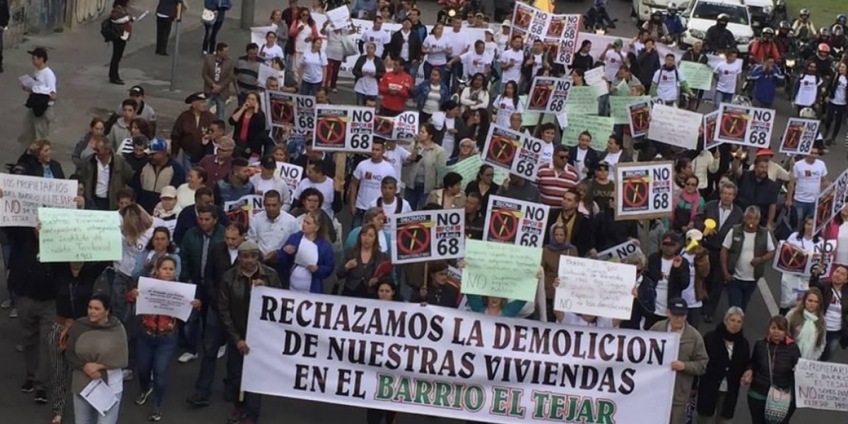 Vecinos de Puente Aranda salieron a marchar en contra del TransMilenio por la Av. 68
