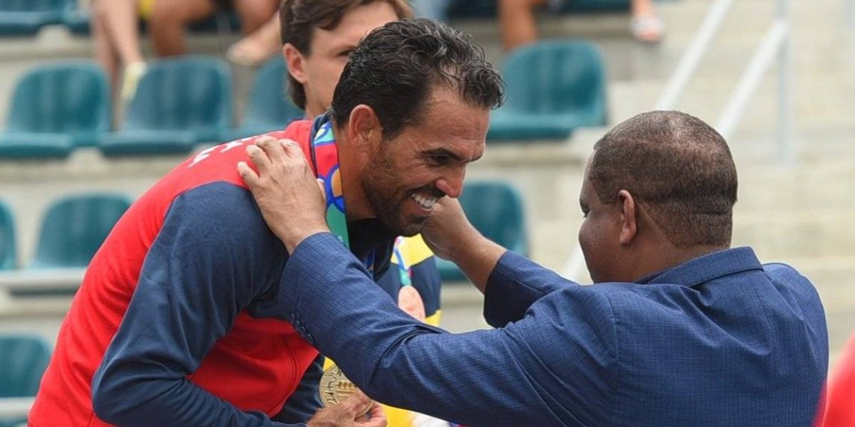 Víctor Estrella hace historia en Barranquilla