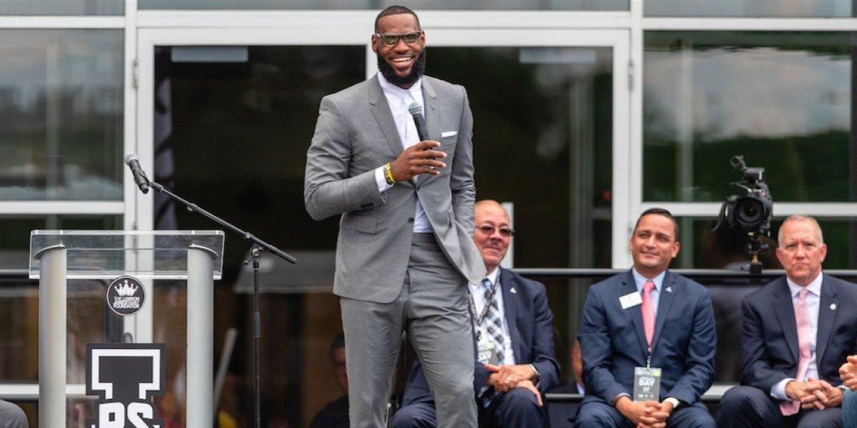 LeBron funda escuela como parte de su legado en Cleveland