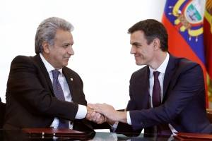 Pedro Sánchez, recibe al presidente de Ecuador, Lenín Moreno