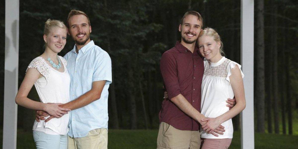 Una singular boda doble: gemelos idénticos ponen fin al pololeo este fin de semana en el altar