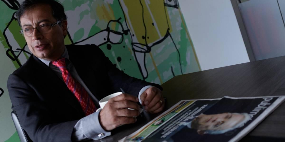 """Gustavo Petro compartió un falso montaje de Duque y sus seguidores lo """"lapidaron"""""""