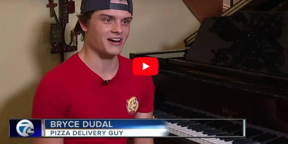 Pidieron una pizza pero les entregaron un concierto de piano