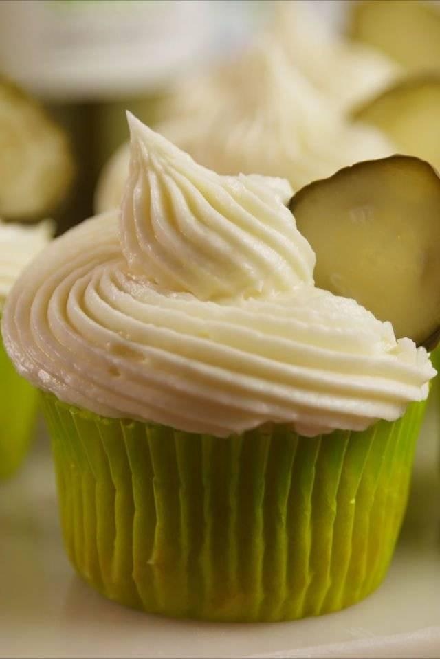 pickle cupcake