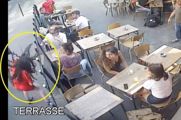 Momento en el que Marie Laguerre fue golpeada por un desconocido en una calle de París (YouTube/ Marie Laguerre)