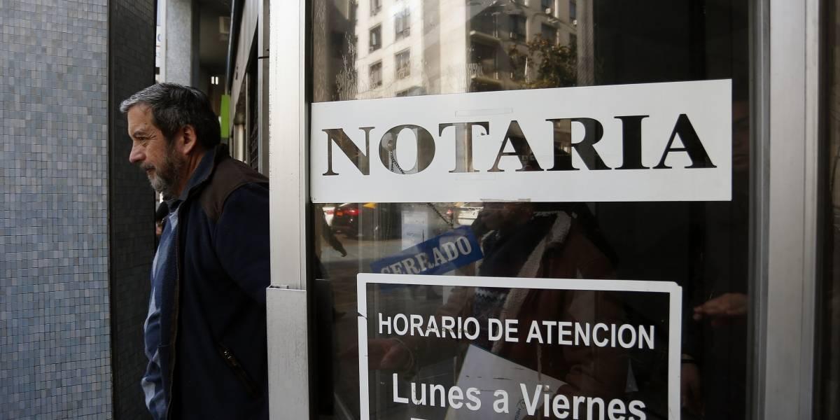 """Se requiere """"reforma profunda y estructural y no un simple maquillaje"""": FNE presenta informe final sobre las notarías"""