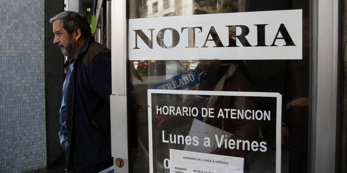 La guerra de la fe pública: Piden la apertura de notarías en 15 comunas de la Región Metropolitana