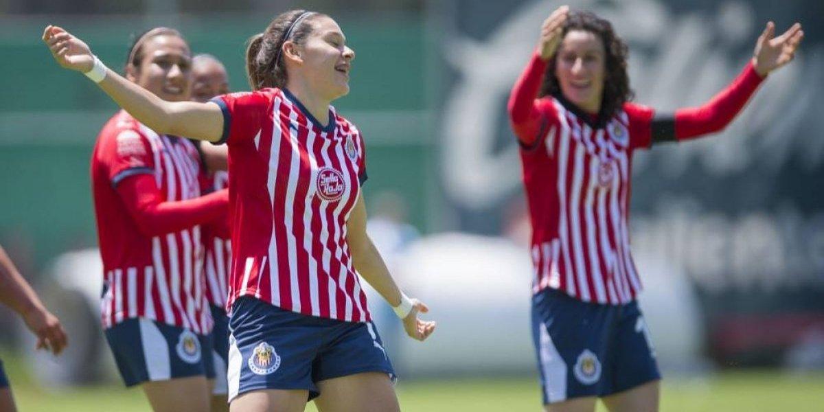 Norma Palafox, orgullosa por el buen paso de Chivas
