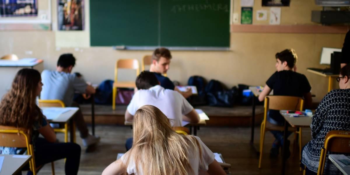Escola francesa quer rastrear alunos com chaveiro digital