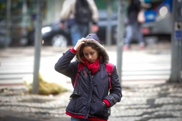 inverno frio chuva garoa são paulo cachecol
