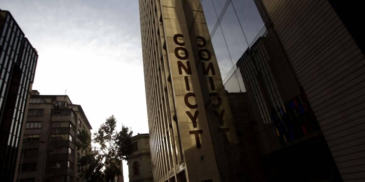 Investigadores chilenos siguen sin beneficios complementarios por falta de recursos en Conicyt