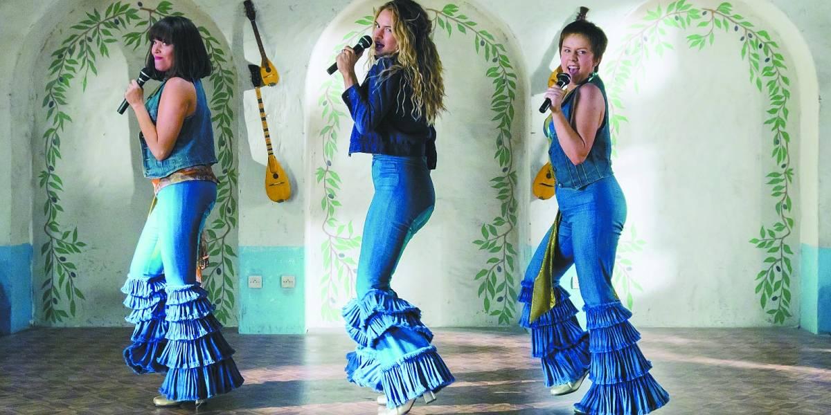 Mamma Mia! Lá Vamos Nós de Novo retoma trama de sucesso e hits do ABBA