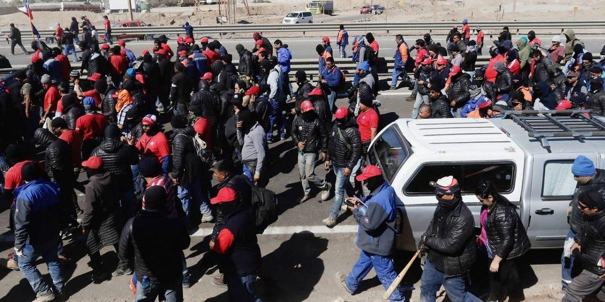 Casi un hecho: votación preliminar muetra que trabajadores del sindicato de Escondida apoyan en un 90% la nueva huelga