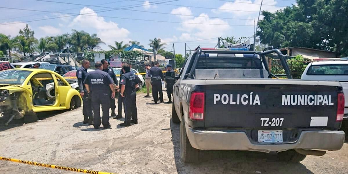 Ladrón roba una patrulla, lo abaten policías