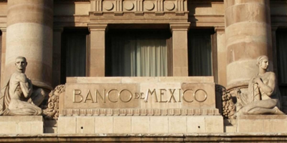 Analistas recortan pronóstico de crecimiento y suben inflación: Banxico