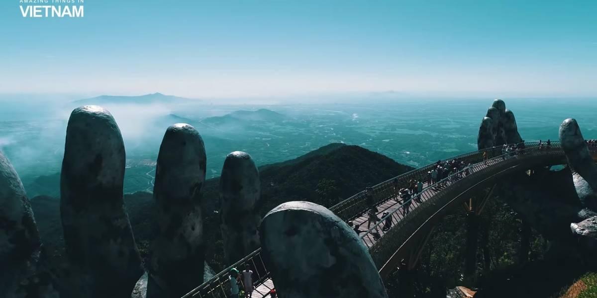 """Así es el maravilloso """"puente de oro"""" sostenido por dos manos gigantes de Vietnam"""